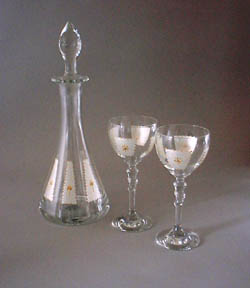 Decanter and Donna wine glasses